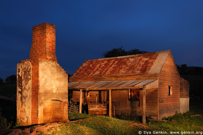 Abandoned Farmhouse. Binalong, NSW, Australia. Lightpainting.