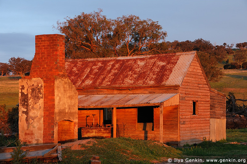 australia stock photography | Abandoned Farmhouse, Binalong, NSW, Australia, Image ID AUNS0005