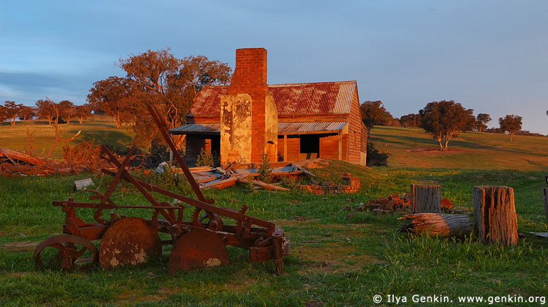 australia stock photography | Abandoned Farmhouse, Binalong, NSW, Australia, Image ID AUNS0006