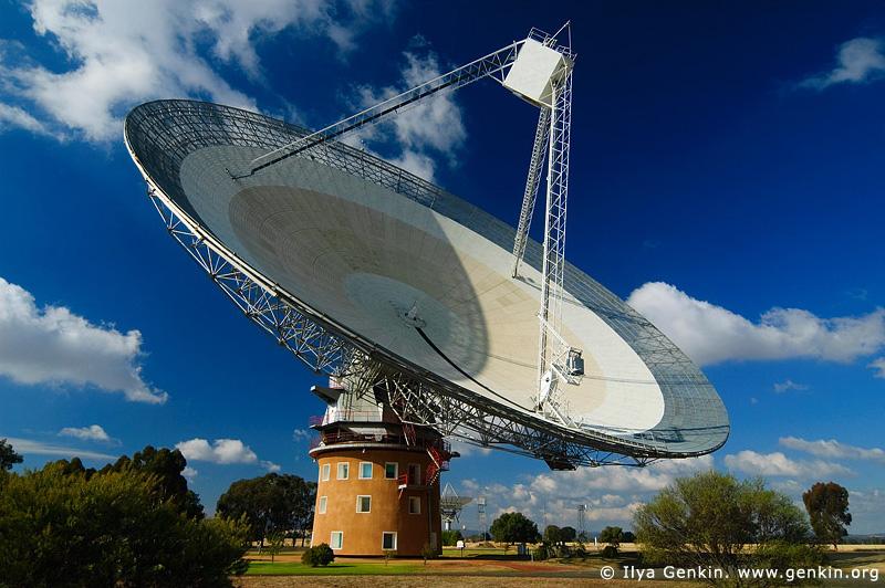 australia stock photography | Radio Antenna Dish, Parkes, NSW, Australia, Image ID AU-PARKES-0002