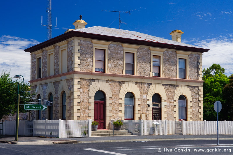australia stock photography | Penola National Bank Building, Penola, Coonawarra, South Australia (SA), Australia, Image ID AU-SA-PENOLA-0002