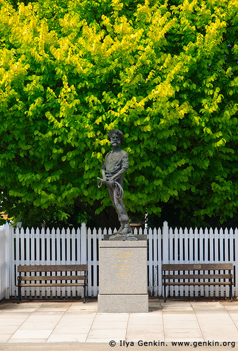 australia stock photography | Alexander Cameron Statue, Penola, Coonawarra, South Australia (SA), Australia, Image ID AU-SA-PENOLA-0003
