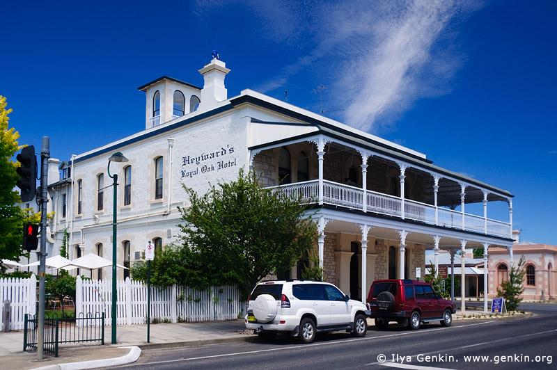 australia stock photography | Heyward's Royal Oak Hotel, Penola, Coonawarra, South Australia (SA), Australia, Image ID AU-SA-PENOLA-0008