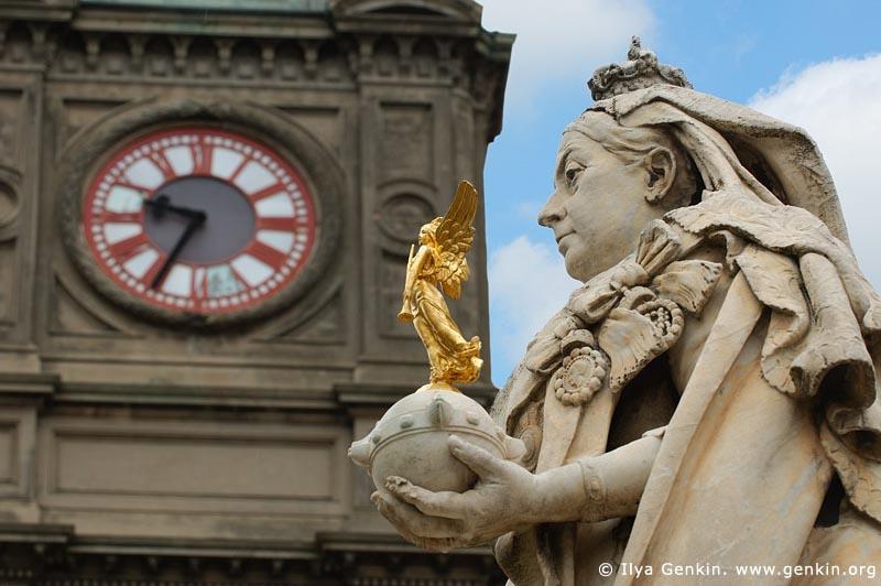 australia stock photography | Ballarat Town Hall and Queen Victoria Statue, Ballarat, VIC, Australia, Image ID AU-BALLARAT-0013