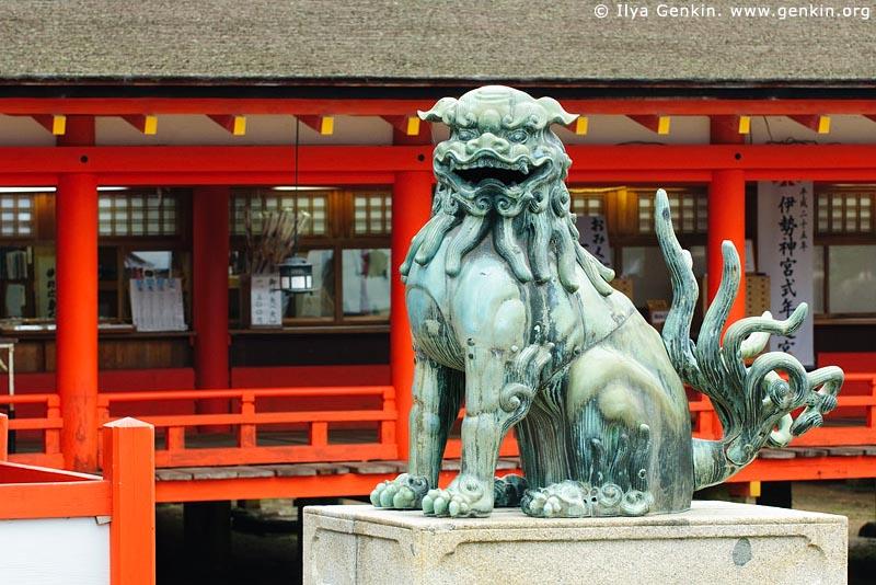 japan stock photography | Copper Lion, Itsukushima Shrine, Miyajima, Honshu, Japan, Image ID JPMI0041