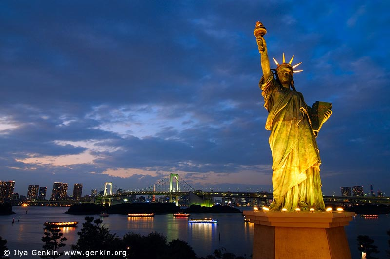 Statue of Liberty and Rainbow Bridge at Night, Odaiba, Tokyo, Kanto Region, Honshu Island, Japan