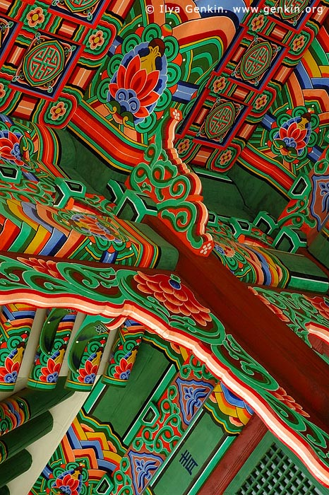 korea stock photography | Roof Decorations at the Entrance to Huijeondang Hall at Changdeokgung Palace in Seoul, South Korea, Jongno-gu, Seoul, South Korea, Image ID KR-SEOUL-CHANGDEOKGUNG-0011