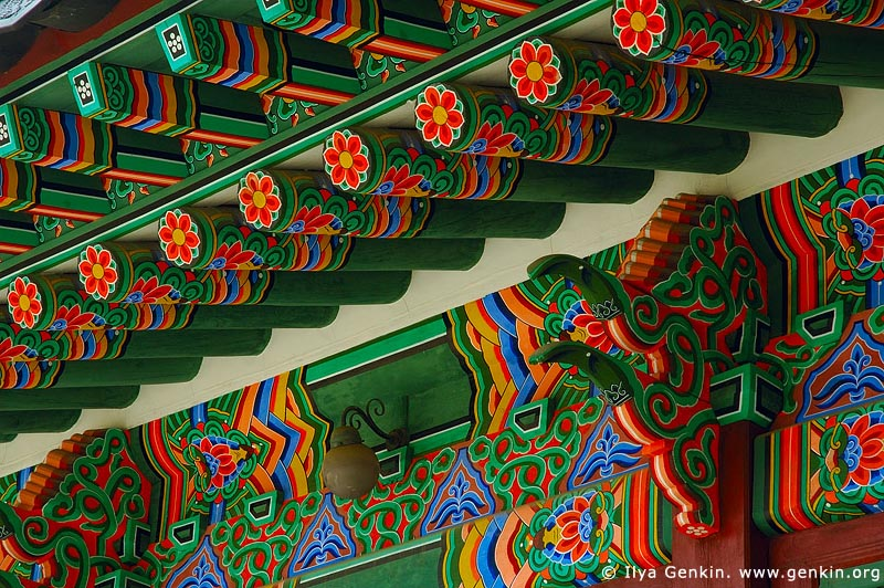 korea stock photography | Roof Decorations at the Entrance to Huijeondang Hall at Changdeokgung Palace in Seoul, South Korea, Jongno-gu, Seoul, South Korea, Image ID KR-SEOUL-CHANGDEOKGUNG-0012