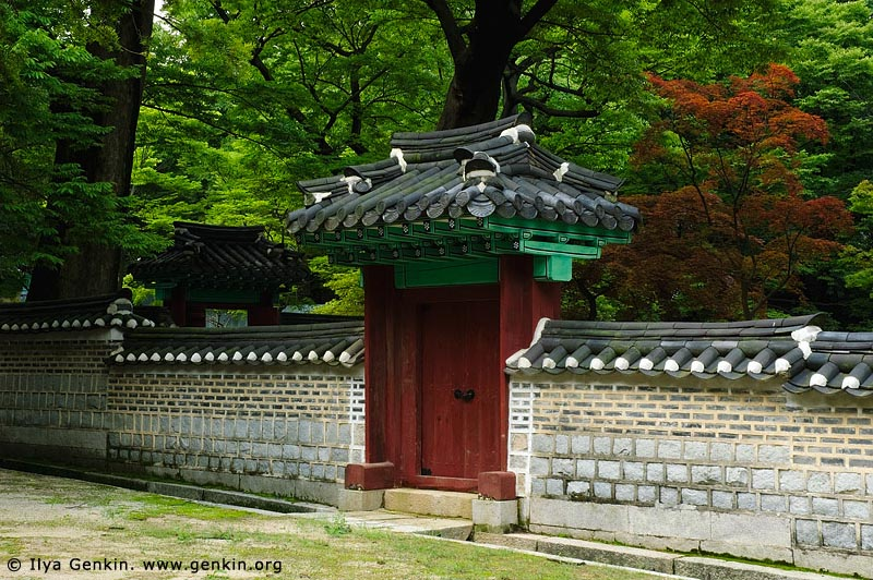 korea stock photography | Door and Gateway Leading Into One of the Many Courtyards at Changdeokgung Palace in Seoul, South Korea, Jongno-gu, Seoul, South Korea, Image ID KR-SEOUL-CHANGDEOKGUNG-0023