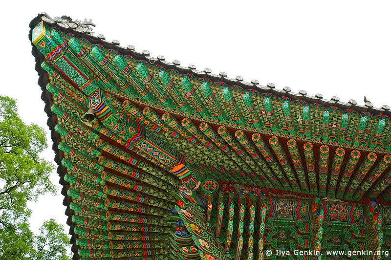 korea stock photography | Roof Decoration at Jogyesa Temple in Seoul, South Korea, Gyeonji-dong, Jongno-gu, Seoul, South Korea, Image ID KR-SEOUL-JOGYESA-0002