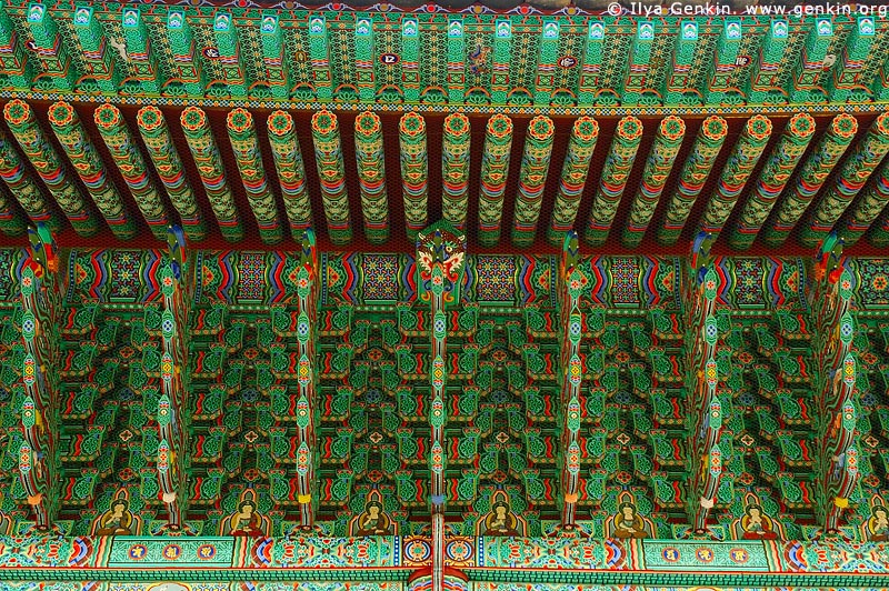 korea stock photography | Roof Decoration at Jogyesa Temple in Seoul, South Korea, Gyeonji-dong, Jongno-gu, Seoul, South Korea, Image ID KR-SEOUL-JOGYESA-0004