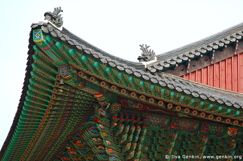 korea stock photography | Roof Decoration at Jogyesa Temple in Seoul, South Korea, Gyeonji-dong, Jongno-gu, Seoul, South Korea, Image ID KR-SEOUL-JOGYESA-0005