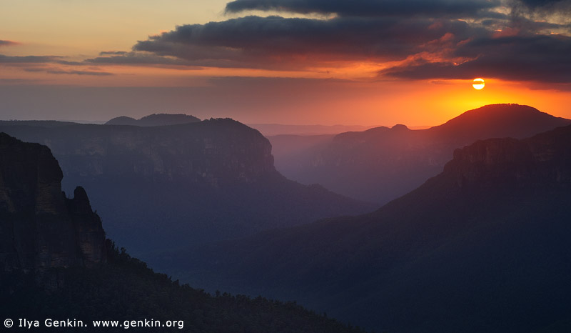 landscapes stock photography | Sunrise at Govett's Leap Lookout, Blackheath, Blue Mountains National Park, NSW, Australia, Image ID AU-GOVETTS-LEAP-0001
