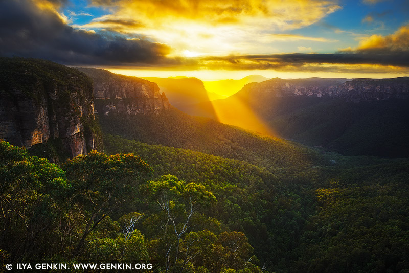landscapes stock photography | Beautiful Sunrise at Govett's Leap Lookout, Blackheath, Blue Mountains National Park, NSW, Australia, Image ID AU-GOVETTS-LEAP-0003