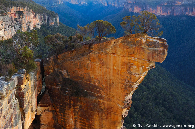 landscapes stock photography | Hanging Rock at Dawn, Baltzer Lookout, Blackheath, Blue Mountains, NSW, Australia, Image ID HANGING-ROCK-BLUE-MOUNTAINS-0001