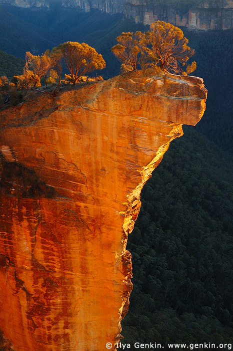 landscapes stock photography | Hanging Rock at Dawn, Baltzer Lookout, Blackheath, Blue Mountains, NSW, Australia, Image ID HANGING-ROCK-BLUE-MOUNTAINS-0002