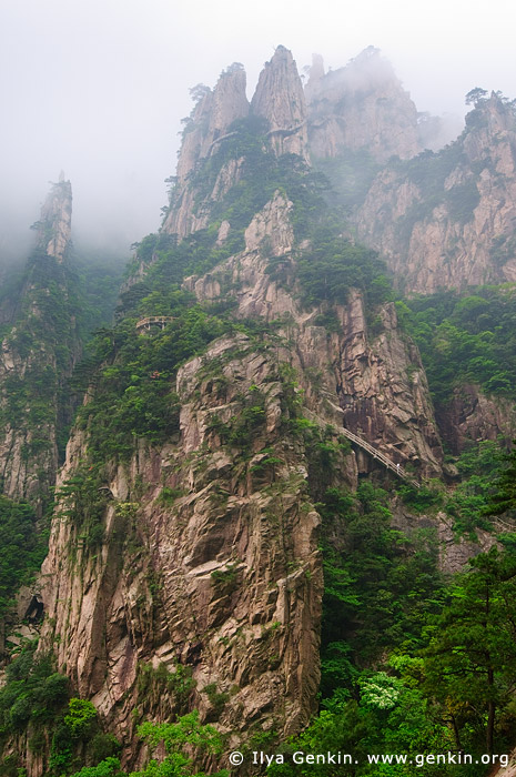 landscapes stock photography | High Peaks of the Xihai (West Sea) Grand Canyon, Baiyun Scenic Area, Huangshan (Yellow Mountains), China, Image ID CHINA-HUANGSHAN-0024