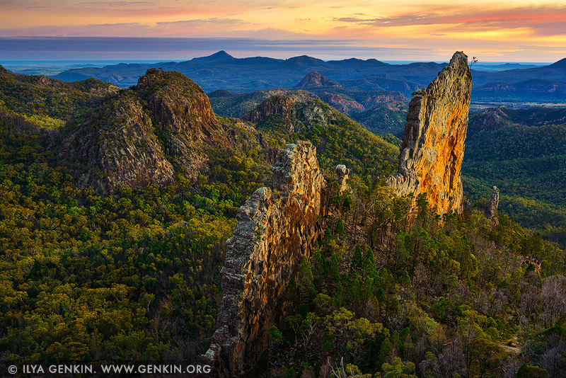 landscapes stock photography | The Breadknife and Warrumbungles at Dawn, Warrumbungle National Park, New South Wales (NSW), Australia, Image ID AU-WARRUMBUNGLES-0001