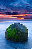 landscapes stock photography | Sunrise at Moeraki Boulders, Otago, South Island, New Zealand, Image ID NZ-MOERAKI-BOULDERS-0005.