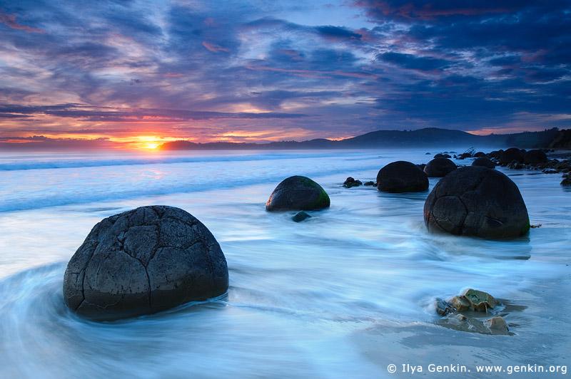 landscapes stock photography | Moeraki Boulders at Sunrise, Otago, South Island, New Zealand, Image ID NZ-MOERAKI-BOULDERS-0009