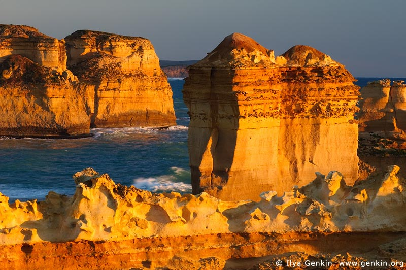 landscapes stock photography | Sunset at Razorback, The Twelve Apostles, Great Ocean Road, Port Campbell National Park, Victoria, Australia, Image ID APOST-0005