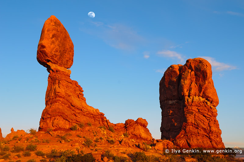 landscapes stock photography | The Balanced Rock at Sunset, Arches National Park, Utah, USA