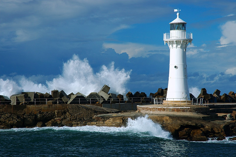 lighthouses stock photography | The Wollongong Breakwater Lighthouse , The Lighthouse at Wollongong Harbour, Wollongong, NSW, Image ID AULH0005