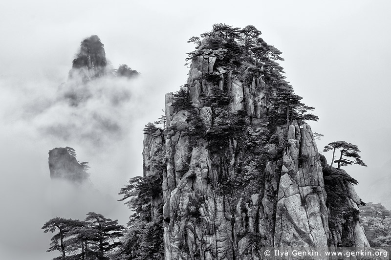 portfolio stock photography | View from Beginning to Believe Lookout, Baiyun Scenic Area, Huangshan (Yellow Mountains), China, Image ID CHINA-BW-0002