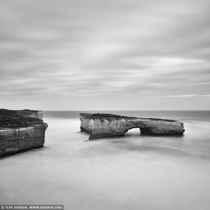 portfolio stock photography | The London Arch in Black and White, The Twelve Apostles, Great Ocean Road, Port Campbell National Park, Victoria, Australia, Image ID GREAT-OCEAN-ROAD-BW-0004