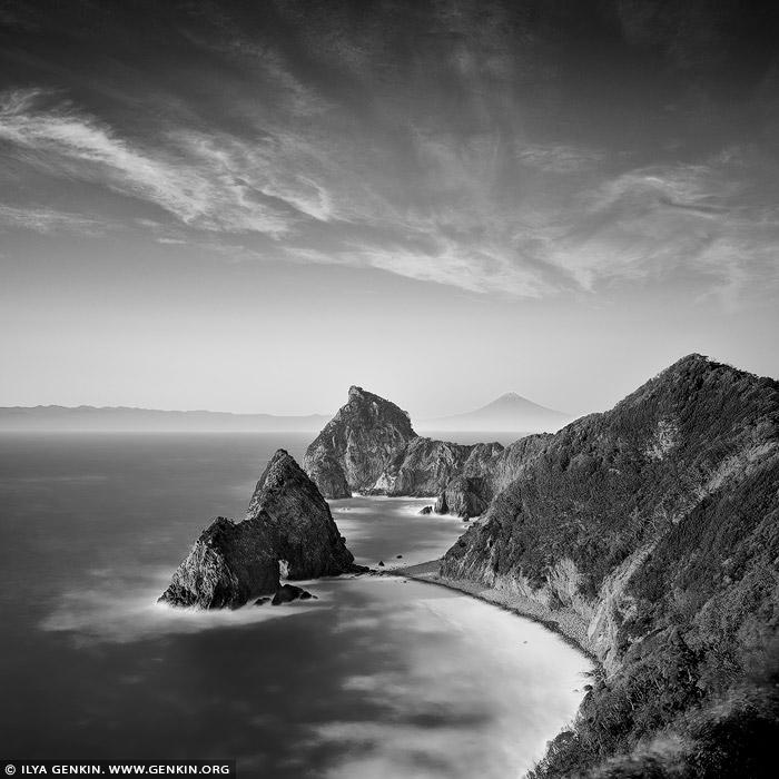 portfolio stock photography | Senganmon and Mt. Fuji, Kumomi, Izu Peninsula, Shizuoka Prefecture, Japan, Image ID JAPAN-KUMOMI-SENGANMON-0001